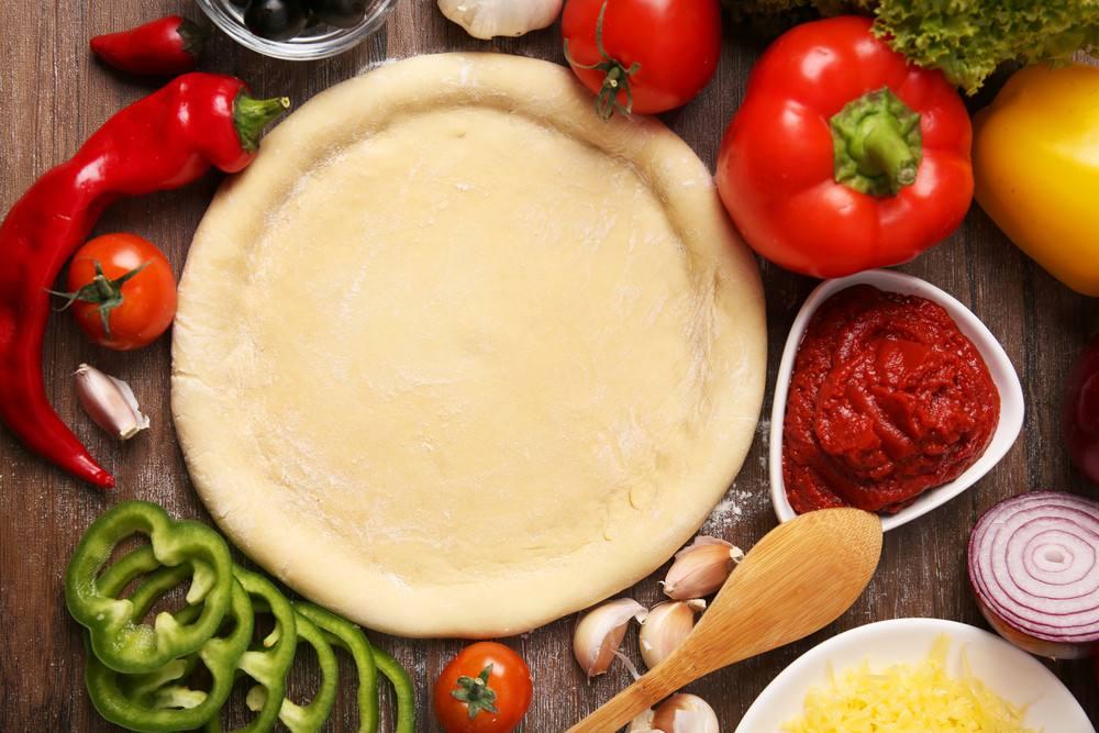 طريقة عمل عجينة بيتزا الايطالي