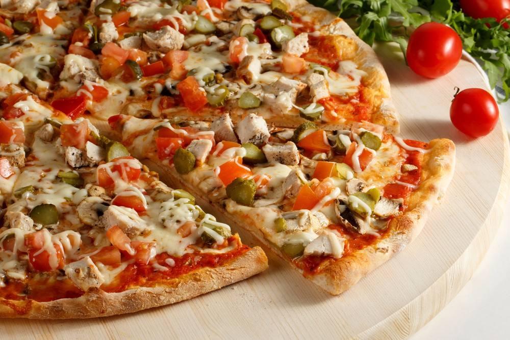 صورة بيتزا الفريدو الدجاج كالمطاعم