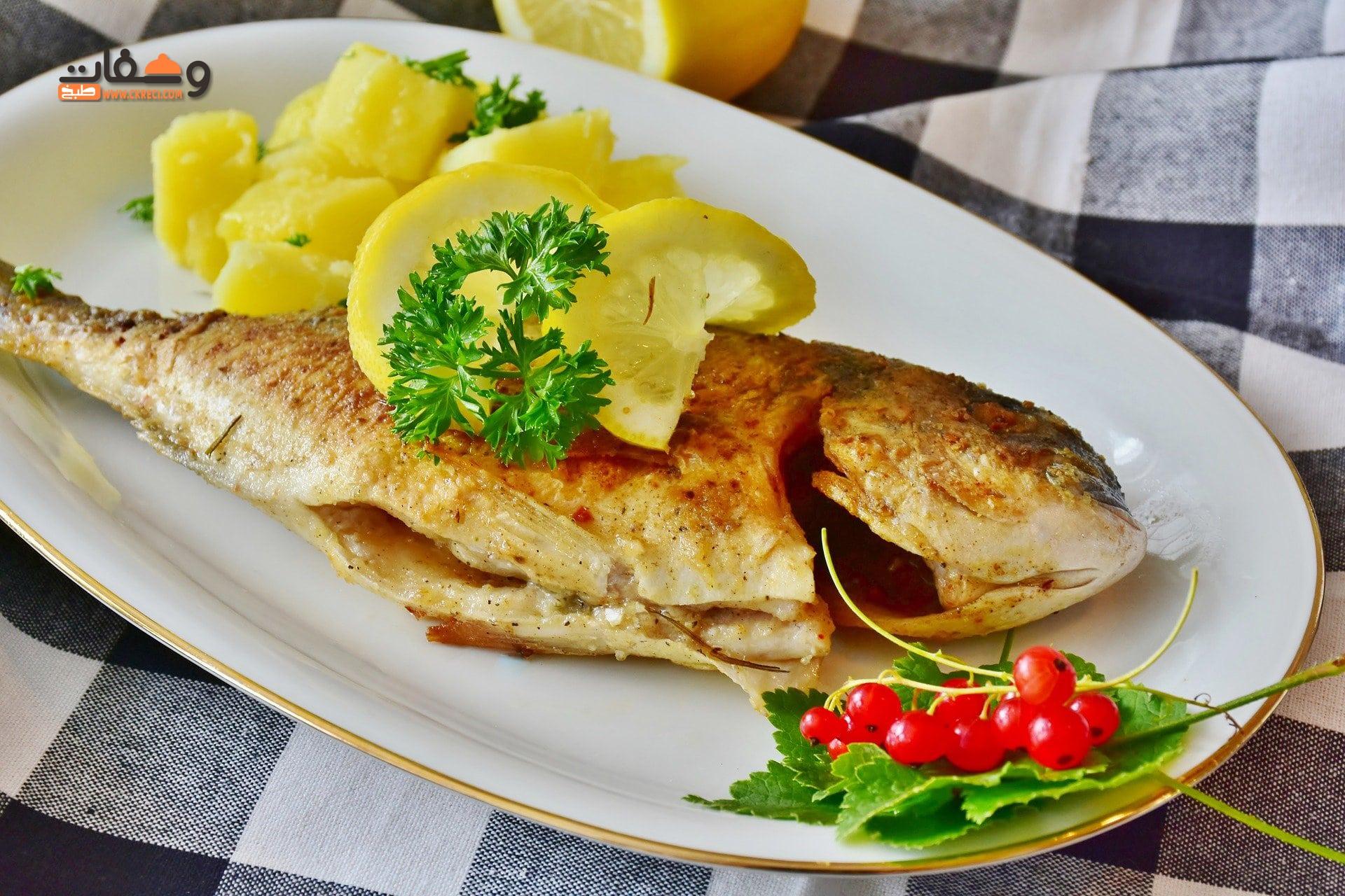 صورة طريقة عمل سمك المقلي و 5 تتبيلات مختلفة