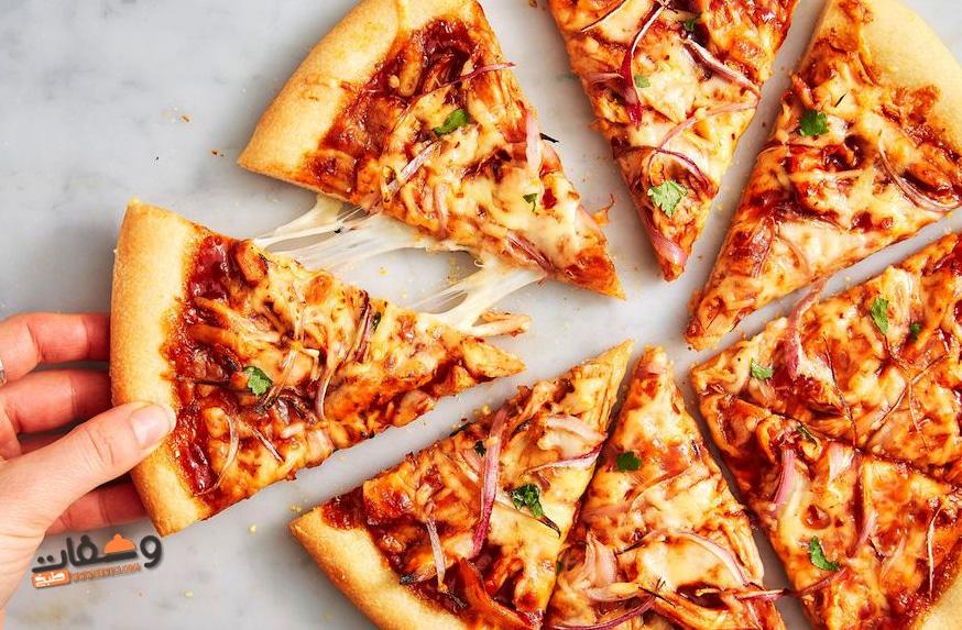 طريقة عمل البيتزا بالفراخ و 3 وصفات جديدة لعجينة البيتزا